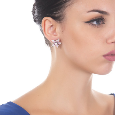 Lobe Earrings with Hand Painted Lilium Flower and Natural Pearl