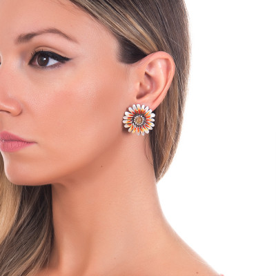 Hand-painted burnished silver daisy earrings with daisy