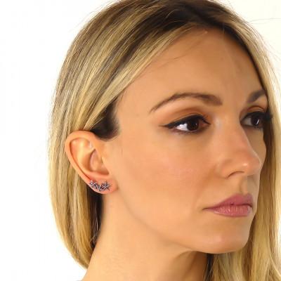 Horizontal stud earrings with starfish
