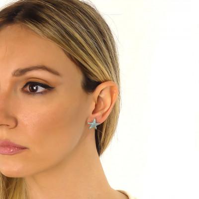 Lobe earrings with light blue starfish