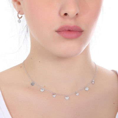 Necklace with smooth hearts and zircons