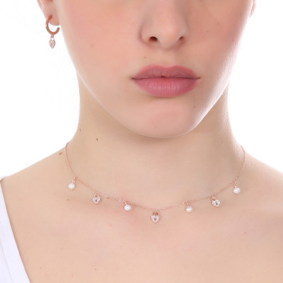 Necklace with cubic zirconia hearts and freshwater pearls