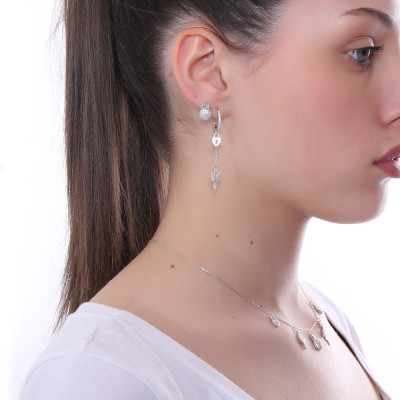 Pendant earring with heart and cubic zirconia