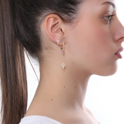 Yellow gold plated earring with heart and cubic zirconia cactus