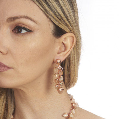 Earrings with pyramidal crystals in ear of corn in the color of moonstone and carnelian