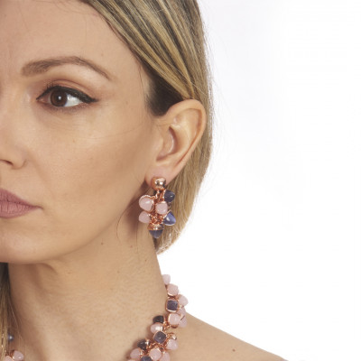 Earrings with a tuft of pink quartz and tanzanite pyramidal crystals