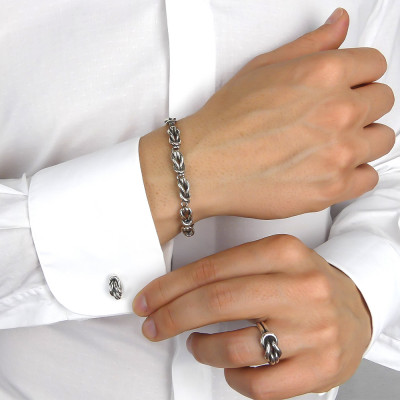 Flat knot link bracelet