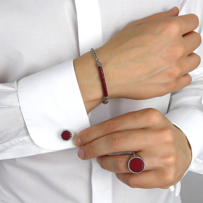 Twisted thread cufflinks with red agate