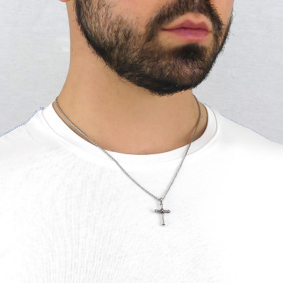 Ear-knit necklace with crucifix