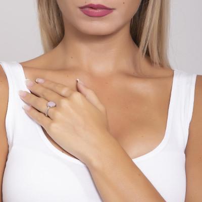 Ring with pink quartz milk