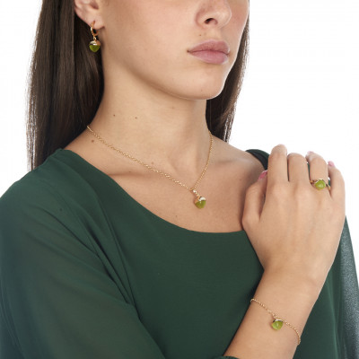 Bracelet with crystal pendant olivine