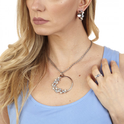 Rhodium-plated necklace with circular pendant and Swarovski