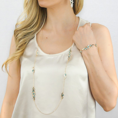 Long necklace with Swarovski crystal and light turquoise