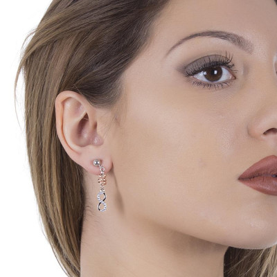 Rodiati earrings with a pendant in the shape of infinity and zircons