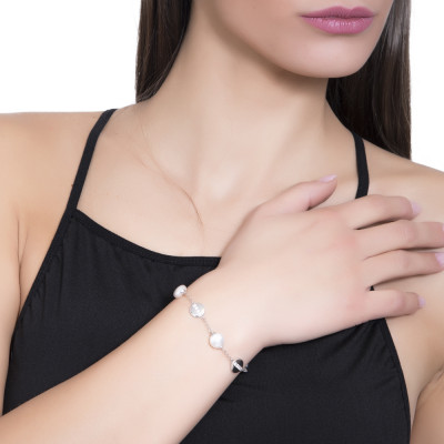Bracelet with crushed Swarovski pearls and circular elements with cubic zirconia
