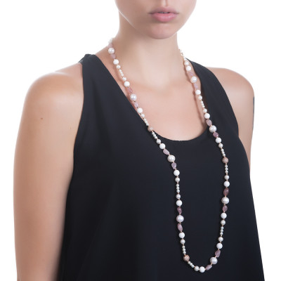 Long necklace with natural pearls, rose quartz and white agate