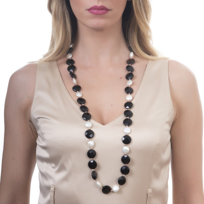 Long necklace with faceted smoky quartz and natural pearls