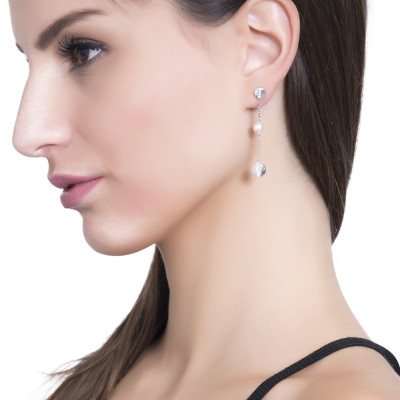 Dangle earrings with Swarovski pearl and zircon element