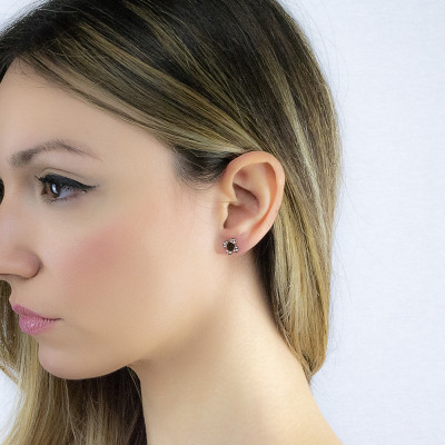 Pink lobe earrings with four-leaf clover
