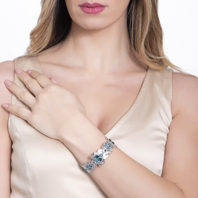 Rigid bracelet with scarab