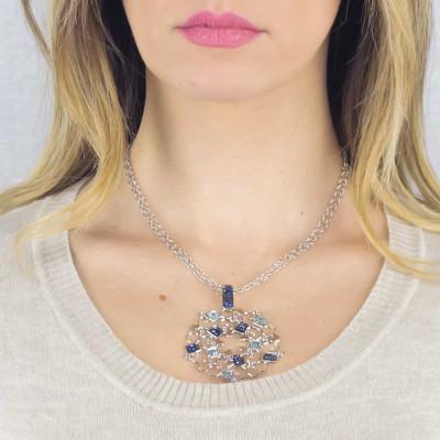 Collana rodiata con rosone in Swarovski crystal rock blu montata