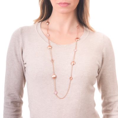 Long necklace with peach crystals and rose milk quartz color and scratched elements