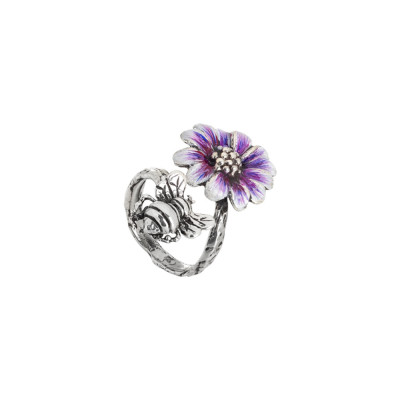 Ring in burnished silver and daisy painted in shades of purple