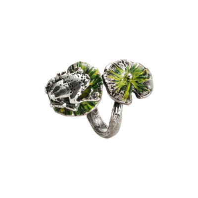 Ring in burnished silver with painted water lilies and pink frog