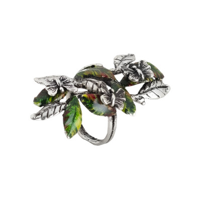 Ring in burnished silver with ample decoration of painted olive leaves and butterflies