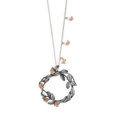 Necklace with rose gold-plated butterflies and circular pendant with intertwining olive leaves