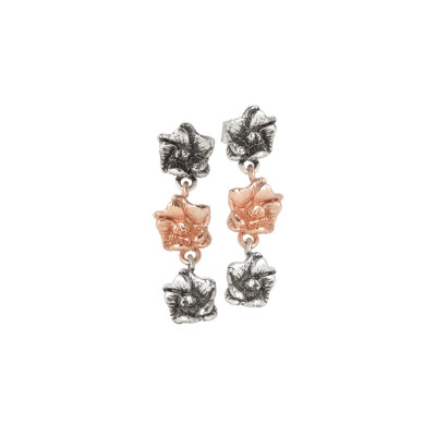 Earrings with two cherry blossoms in burnished silver and one rosé