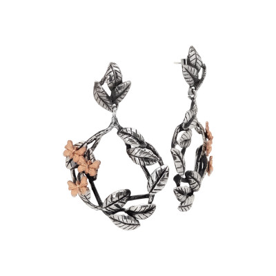 Earrings with decoration of brown olive leaves and pinkish butterflies
