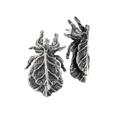 Earrings with leaf in burnished silver