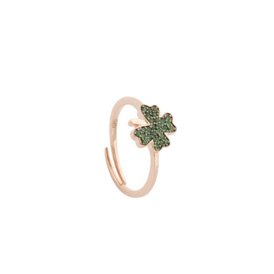 Rose gold plated ring with cubic zirconia clover