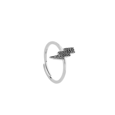 Ring with cubic zirconia lightning