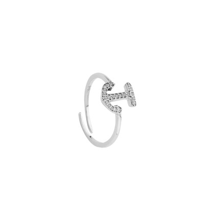 Ring with cubic zirconia anchor