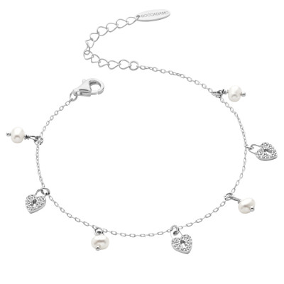 Bracelet with cubic zirconia hearts and freshwater perals