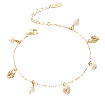 Yellow gold plated bracelet with cubic zirconia hearts and freshwater pearls