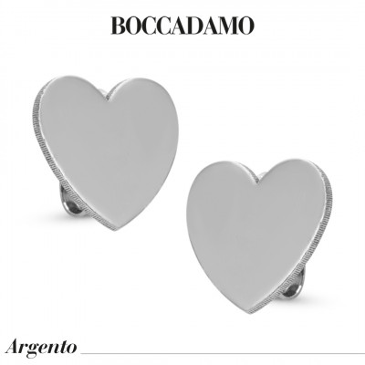 Heart-shaped stud earrings