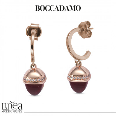 Earrings with pyramidal crystal pendant ruby color