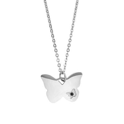 Collana con farfalla pendente e zircone nero