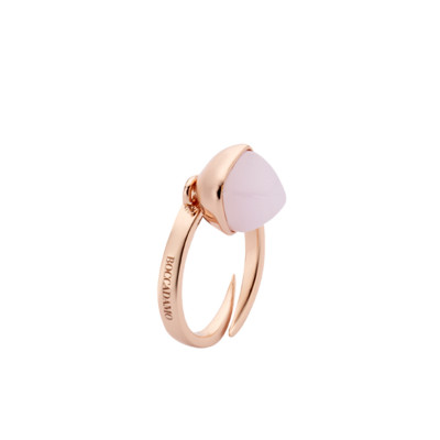 Ring with rose quartz colored crystal
