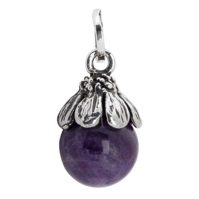Charm with amethyst and daisy cup