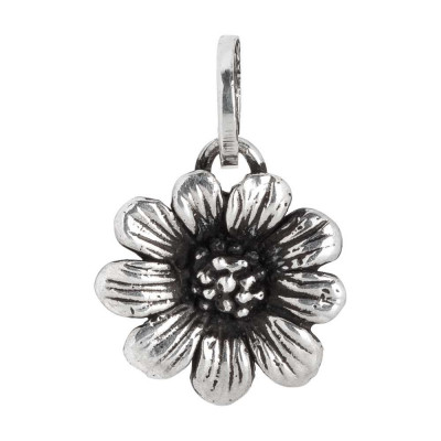 Charm with small daisy