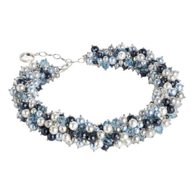 The necklace of pearls and Swarovski crystals from the blue tones