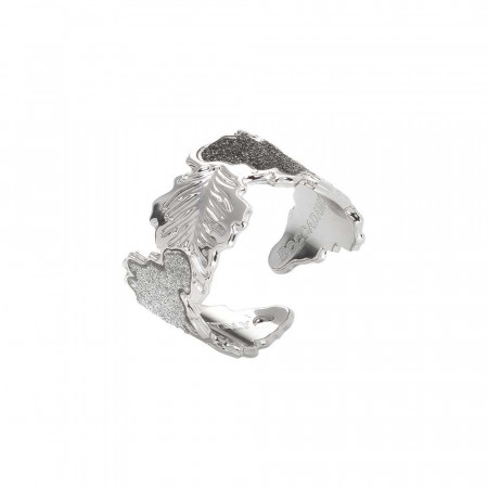 Rhodium band ring with oak leaf and glitter