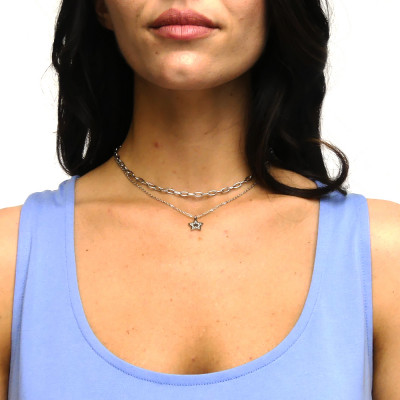 Necklace with star and rhinestones