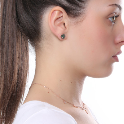 Rose gold plated earring with cubic zirconia clover