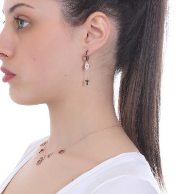 Rose gold plated earring with pendent mouth and cross