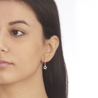 Mono earring with openwork flower